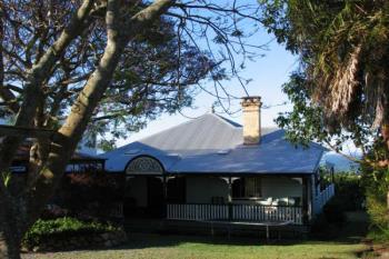 82 Carlton Tce, Wynnum, QLD 4178
