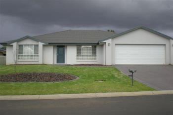 11 Warrah Dr, Tamworth, NSW 2340