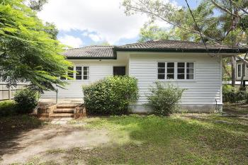 821 Cavendish Rd, Holland Park, QLD 4121