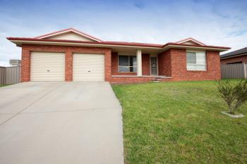 48 Yarrawah Cres, Bourkelands, NSW 2650