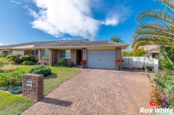 2/2 Commodore Pl, Tuncurry, NSW 2428