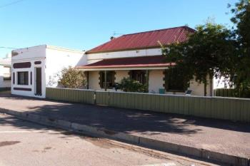 44 First St, Quorn, SA 5433