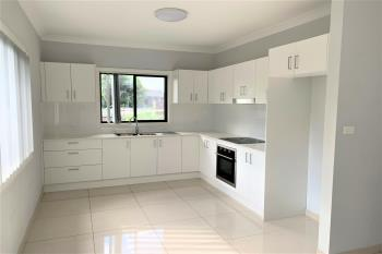 8a Ivy St, Toongabbie, NSW 2146