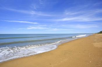 20 Lagoon Dr, Moore Park Beach, QLD 4670