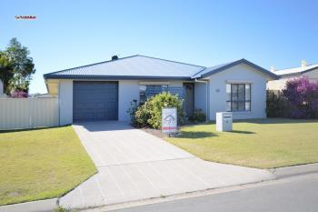 1/4 Pilbara Way, Burrum Heads, QLD 4659