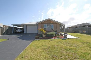 6 Chichester Rd, Sussex Inlet, NSW 2540