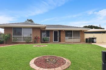 33 Sebastian Ave, Rosemeadow, NSW 2560