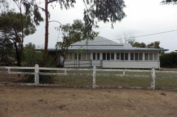 73 Bowen St, Roma, QLD 4455