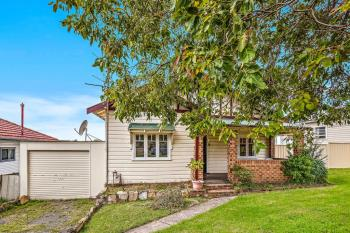 9 Hillcrest St, Wollongong, NSW 2500