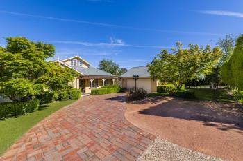 14 Freestone Cres, Jerrabomberra, NSW 2619