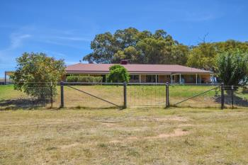 103 Pattersons Lane, Young, NSW 2594