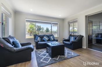 33 Coops Ave, Thornlie, WA 6108