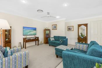 2/5 Daintree Cl, Banora Point, NSW 2486