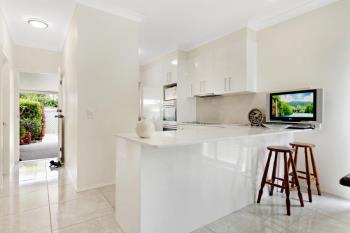 2/8 Rosalind Ave, Paradise Point, QLD 4216