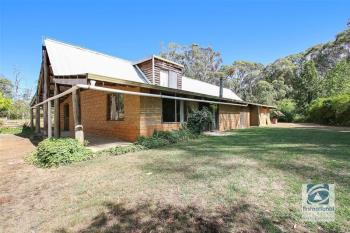 3 Mcananly Rd, Beechworth, VIC 3747