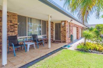3/4 Toona Pl, Yamba, NSW 2464