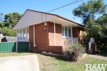 2 Waitaki Cres, Lethbridge Park, NSW 2770
