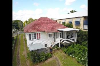 88 Waverley Rd, Camp Hill, QLD 4152