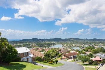 40 Swanbourne Way, Elanora, QLD 4221