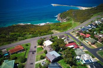 64 Ocean View Pde, Caves Beach, NSW 2281