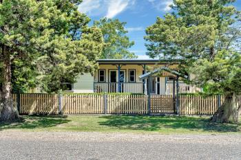 15 Edward St, Toogoolawah, QLD 4313