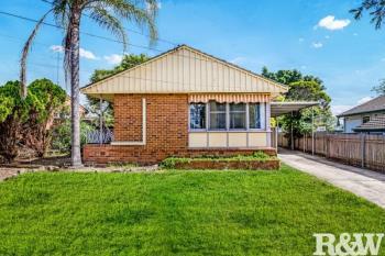 40 Mariana Cres, Lethbridge Park, NSW 2770