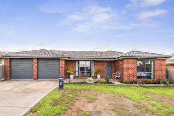 12 Peters Cl, Maddingley, VIC 3340