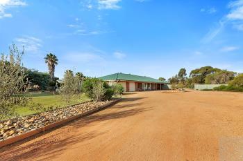 268 Golf Course Rd, Barooga, NSW 3644