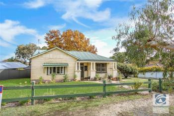 5 Buckland Gap Rd, Beechworth, VIC 3747