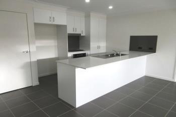 1/64 Milbrook Cres, Pimpama, QLD 4209
