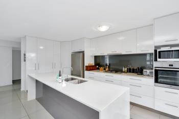 3/3 Hancox Pl, Robina, QLD 4226