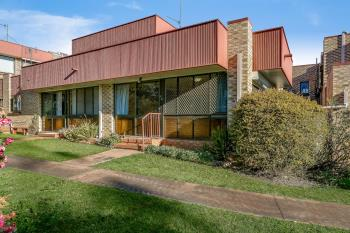2/316 Hume St, Centenary Heights, QLD 4350