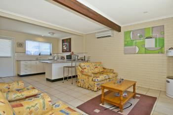 Unit 1/4 Cowper Ave, Eagleby, QLD 4207