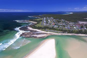 25 Seaside Pde, Dolphin Point, NSW 2539