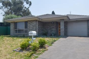 4 Molloy Pl, Young, NSW 2594