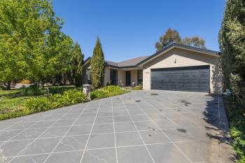 10 Dillwynia Cres, Jerrabomberra, NSW 2619