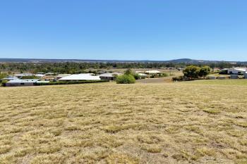 8 Crows Ash Cres, Kingaroy, QLD 4610
