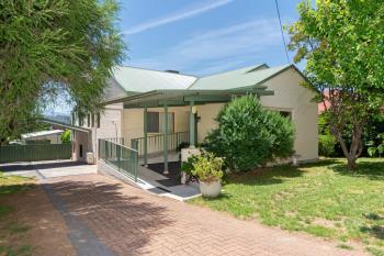 4 Kirk Ave, Tumut, NSW 2720