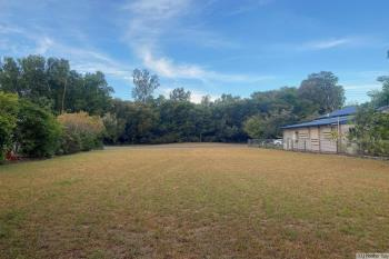106 Tully Heads Rd, Tully Heads, QLD 4854