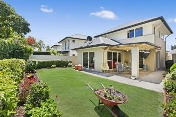 297 Easthill Dr, Robina, QLD 4226