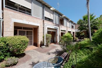 110/3 Violet Town Rd, Mount Hutton, NSW 2290