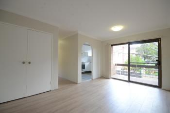 4/33 Park Ave, Westmead, NSW 2145