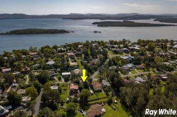 80 Seabreeze Pde, Green Point, NSW 2428