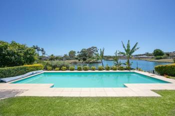 10 Newport Island Cct, Yamba, NSW 2464