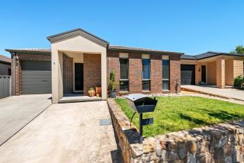 4 Loveday Cres, Casey, ACT 2913