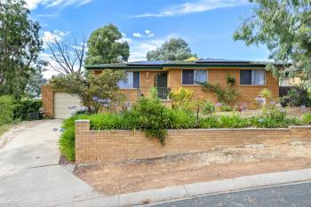 3 Dean Pl, Charnwood, ACT 2615