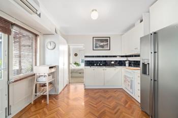 2/13 Harrington St, Enmore, NSW 2042
