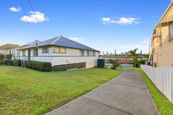 42 Ninth Ave, Coorparoo, QLD 4151