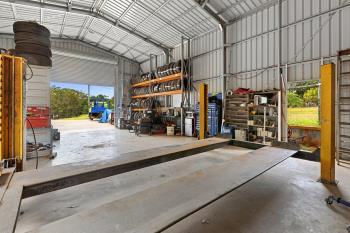 16 Robert St, Russell Island, QLD 4184