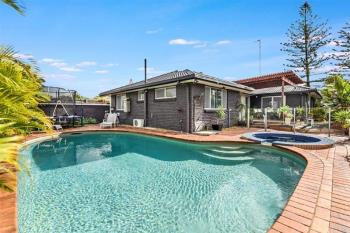 26 Coogeen St, Surfers Paradise, QLD 4217